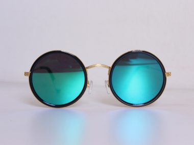 Polarised-glasses
